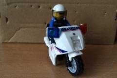 Lego-Gendarme-Moto-Yataz-2