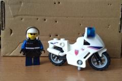 Lego-Gendarme-Moto-Yataz-3