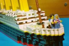 lego-titanic-le-film-je-vole