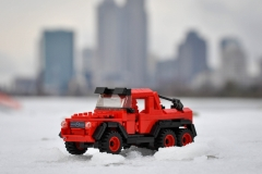Lego-mercedes-6x6-rouge