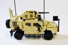 Lego-Oshkosh-M-ATV-3