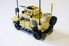 Lego-Oshkosh-M-ATV-5