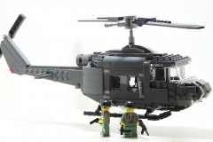 Lego-helicoptere-us-guerre-vietnam-UH-1B-HUEY