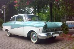 Ford_Taunus_P2_Deluxe