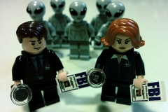 Lego-X-Files-Mulder-Scully-3